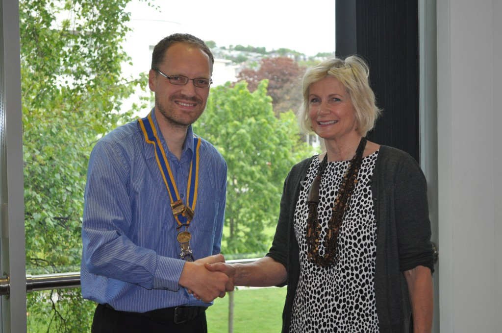 Stuart Clarke, President of Dundee Discovery Rotary being thanked by Pamela Levack, Medical Director of PATCH.
